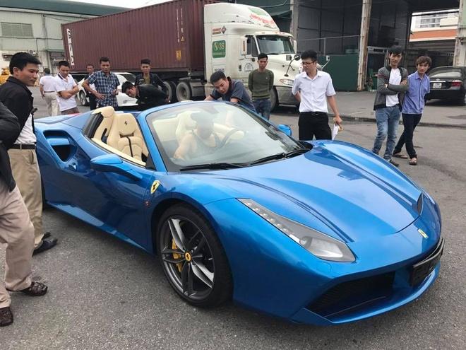 Ferrari 488 Spider dau tien ve Viet Nam anh 1