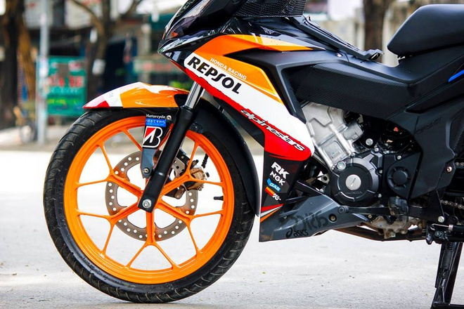 Honda Winner 150 son tem dau dan ao cua biker Bien Hoa hinh anh 3