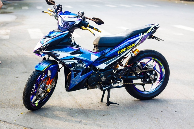 Exciter 150 son dan vo chuyen mau cua biker Tra Vinh hinh anh 1