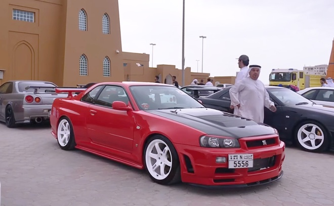 Dan xe the thao Nissan Skyline GT-R cua dan choi A-rap tu hoi hinh anh