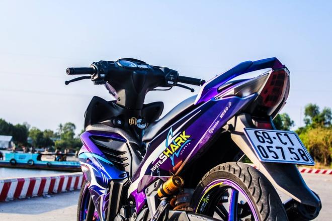 Exciter 2011 son chuyen mau voi hoa tiet ca map cua biker Ca Mau hinh anh 3