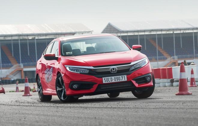 Honda Civic 2017 van hanh o truong dua the nao? hinh anh 1