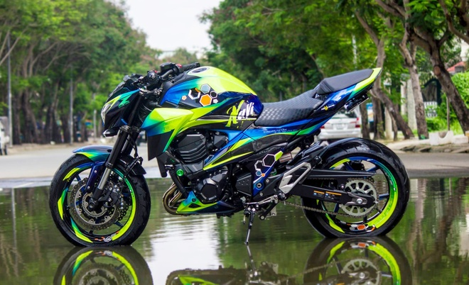 Kawasaki Z800 voi dan ao bat mat cua biker Da Lat hinh anh