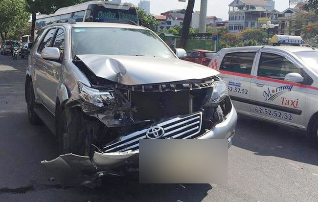 Toyota Fortuner: Xe co tui khi 'ben' nhat Viet Nam? hinh anh