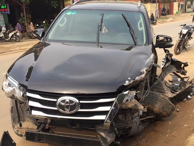 Toyota Fortuner: Xe co tui khi 'ben' nhat Viet Nam? hinh anh 2