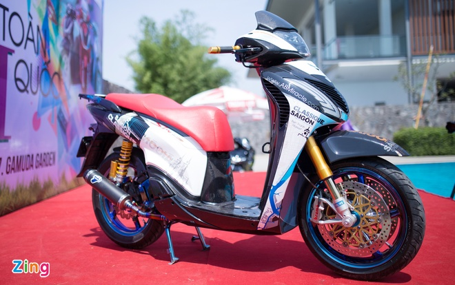 Honda SH do do choi hang hieu cua biker Sai Gon hinh anh 1
