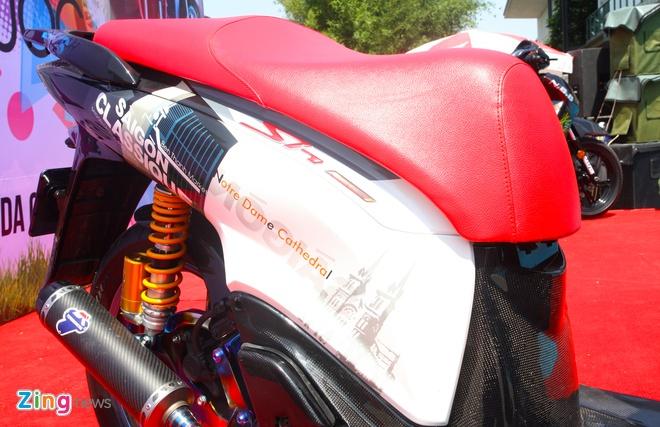 Honda SH do do choi hang hieu cua biker Sai Gon hinh anh 3