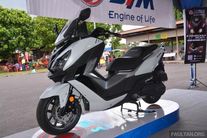 SYM Cruisym 300i co gia ban gan 6.000 USD o Indonesia hinh anh 1