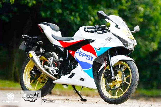 Suzuki GSX R-150 do dan ao va do choi hang hieu o Indonesia hinh anh