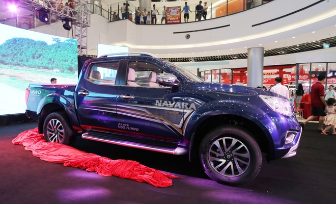 Nissan tung Navara va X-Trail ban gioi han tai Viet Nam hinh anh 1