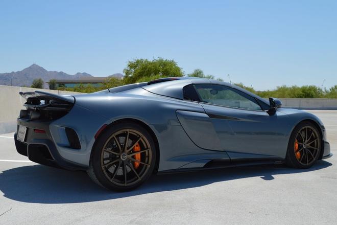 McLaren 675LT Spider do chinh hang co gia ban hon 487.000 USD hinh anh 2