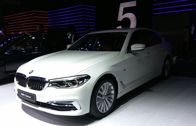 BMW 5 Series 2017 co gia tu hon 77.000 USD o An Do hinh anh 1
