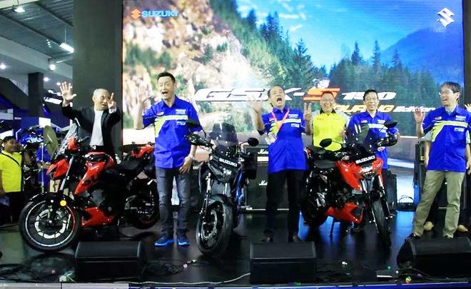 Suzuki GSX-S150 ban duong truong gia gan 1.900 USD o Indonesia hinh anh 1