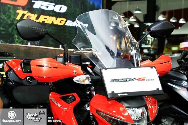 Suzuki GSX-S150 ban duong truong gia gan 1.900 USD o Indonesia hinh anh 3