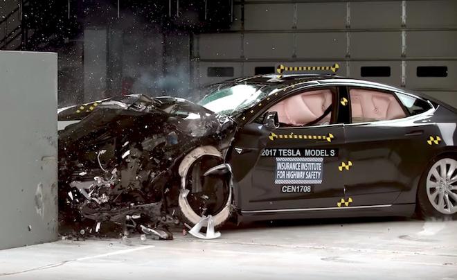 Tesla Model S lan thu 2 truot diem an toan toi da hinh anh