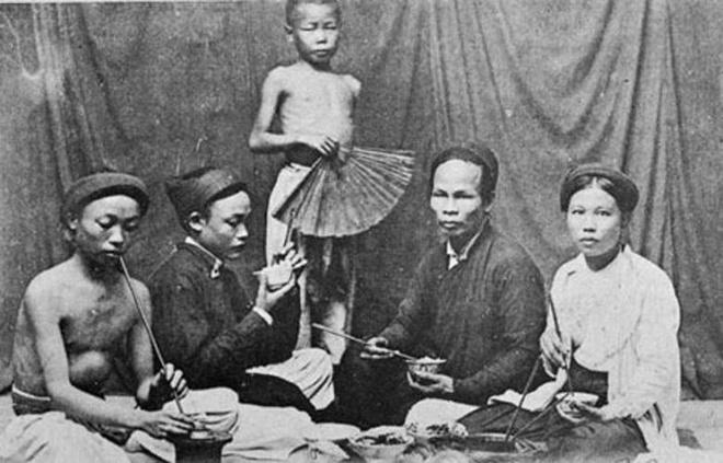 Không khạc nhổ, ho khan, người Việt còn phải ăn uống như thế nào?
