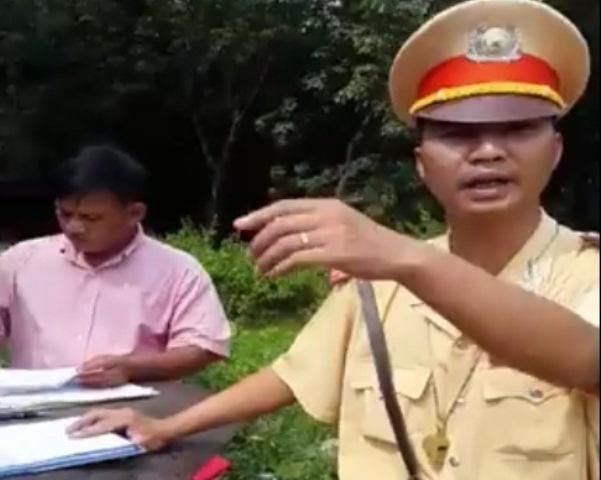 Cong an Dong Nai lam viec voi co gai bi danh vi quay clip hinh anh