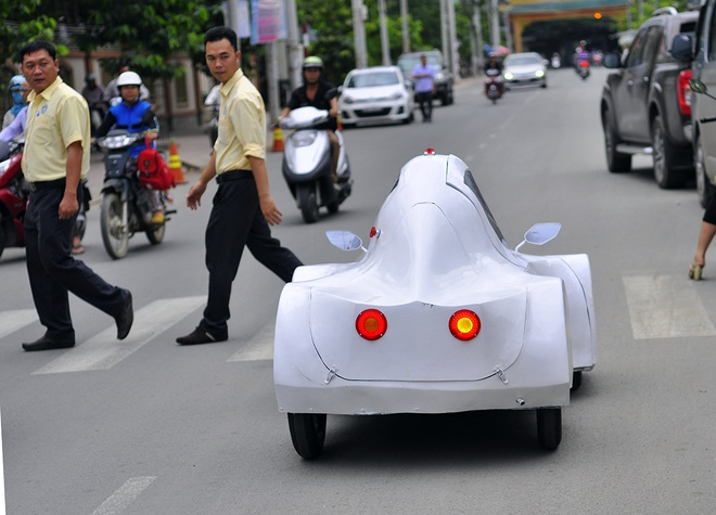 Sinh vien Dong Nai che tao xe chay 200 km chi het 1 lit con hinh anh 12