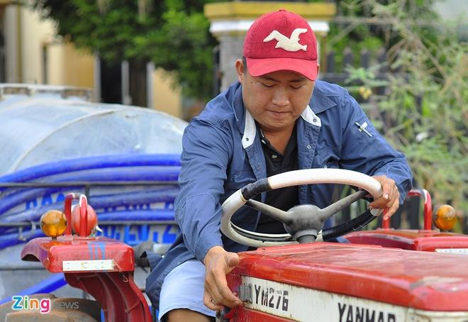 Hang chuc xe bon chay het cong suat cuu han cho nong dan hinh anh 4