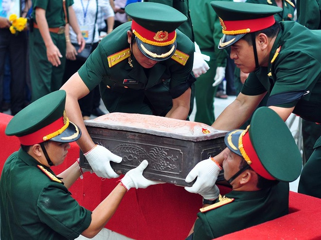 Truy dieu 72 liet si hy sinh trong tran danh san bay Bien Hoa hinh anh