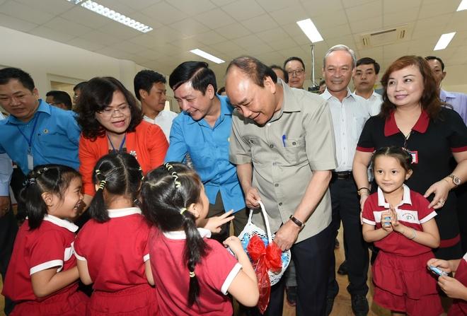 Thu tuong: 'Chat luong bua an cong nhan co dam bao khong?' hinh anh 1
