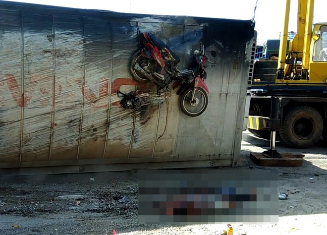 xe container lat de chet nguoi anh 2