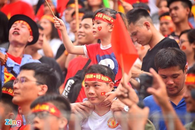 Hang trieu co dong vien lang nguoi sau loat penalty can nao hinh anh 46