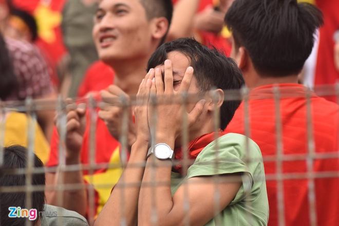 Hang trieu co dong vien lang nguoi sau loat penalty can nao hinh anh 71