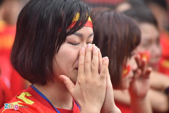 Hang trieu co dong vien lang nguoi sau loat penalty can nao hinh anh 111