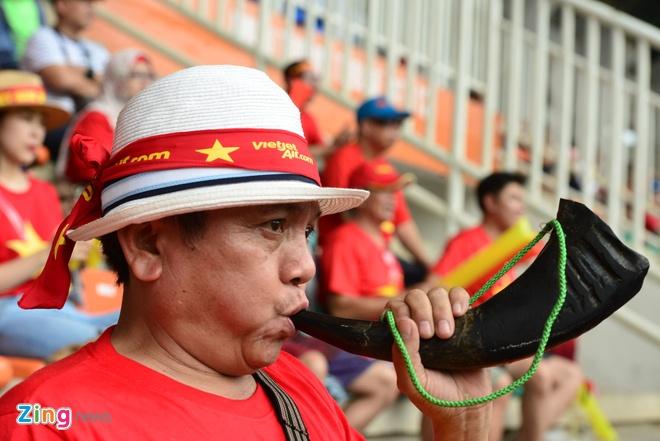 Hang trieu co dong vien lang nguoi sau loat penalty can nao hinh anh 83
