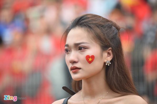 Hang trieu co dong vien lang nguoi sau loat penalty can nao hinh anh 109