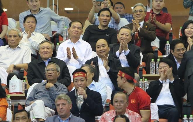 Thu tuong: Bien co soi dong dang huong ve doi tuyen bong da Viet Nam hinh anh