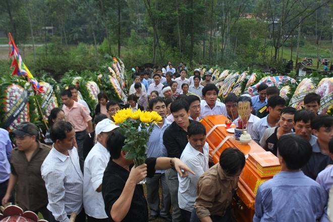 Dam Tang Voi Trong Mua Cua Pho Giam Doc So Hinh Anh 3