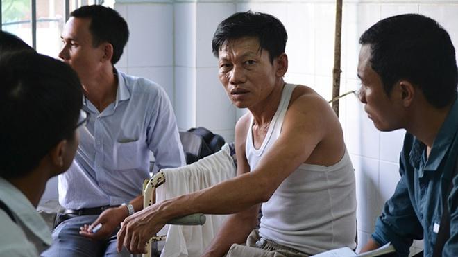 Benh nhan chot cua, tu vong trong nha ve sinh benh vien hinh anh 1 Các bệnh nhân cùng phòng với nạn nhân kể lại vụ việc.