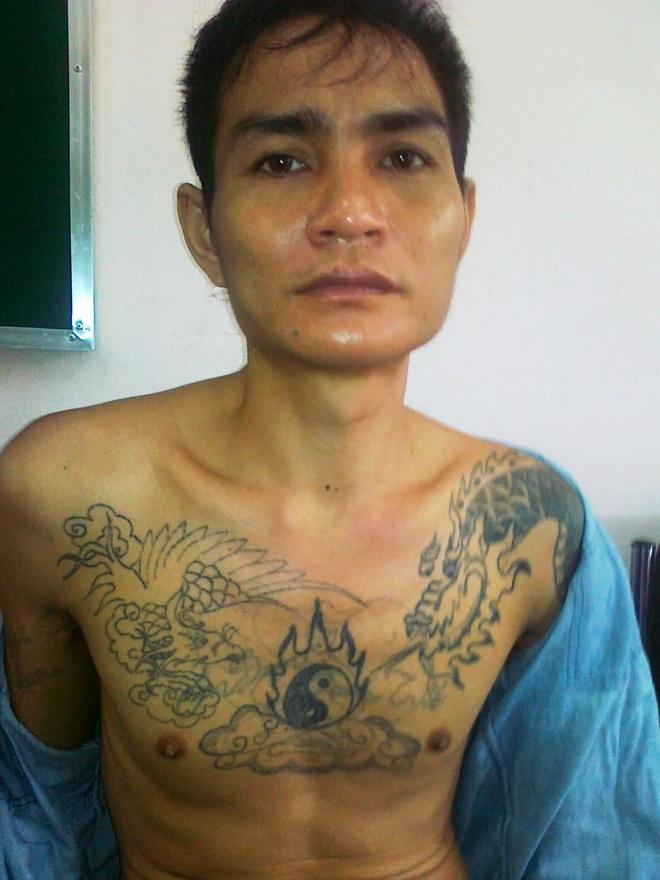 Vay bat ten cuop dung sung tron giua dai ngan hinh anh 1 Lô Văn Bình tại cơ quan điều tra.