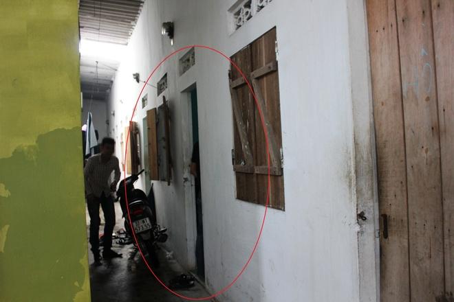 Hang xom noi gi ve nghi pham bao hanh be trai tai khach san hinh anh 1 Phòng trọ nơi Sơn từng ở (vòng tròn đỏ), cách nhà gia đình anh Sỹ không xa.