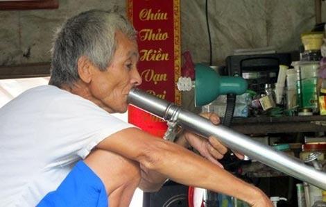 Lao giang ho tuoi 70 'nhat vo' hinh anh