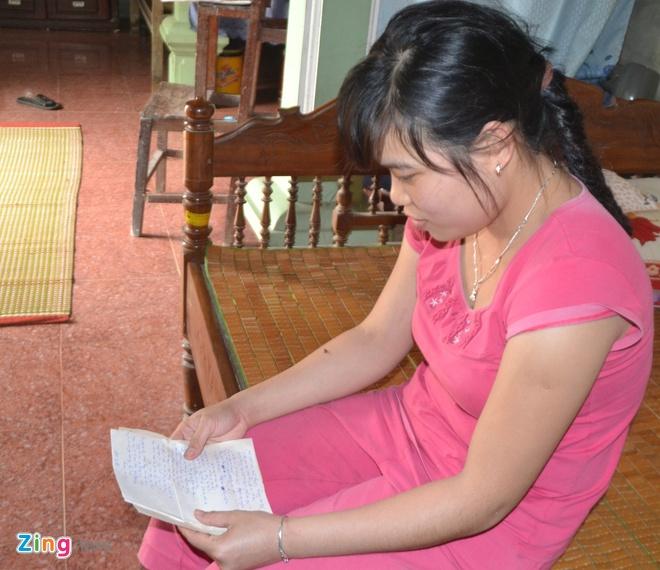 Uoc mo noi nghiep bo cua con gai liet si Gac Ma hinh anh 2 Trang đọc lại lá thư của bố gửi cho mẹ.