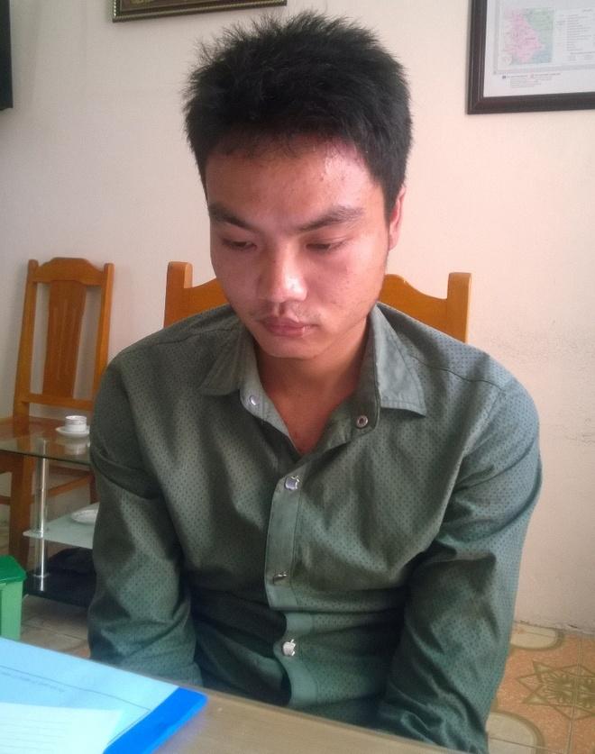 Bat 2 thanh nien buon ban vu khi, thuoc kich duc hinh anh 2 Dương Văn Phương tại cơ quan điều tra.