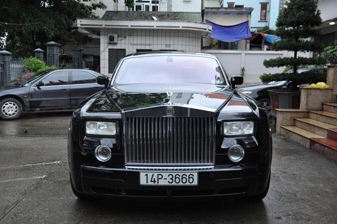 Tang Rolls Royce Phantom ung ho dong bao vung lu hinh anh