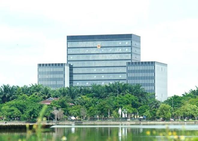 Nghe An tim von xay trung tam hanh chinh 2.200 ty hinh anh 2 Trước đó, Nghệ An cũng đã đưa vào sử dụng trụ sở UBND tỉnh mới cao 11 tầng với kinh phí khoảng <abbr class=
