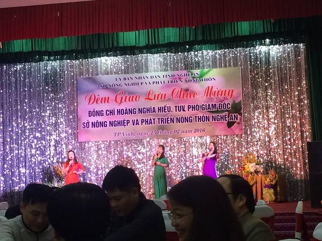 Noi to chuc tiec mung tan Pho giam doc So nhan loi hinh anh