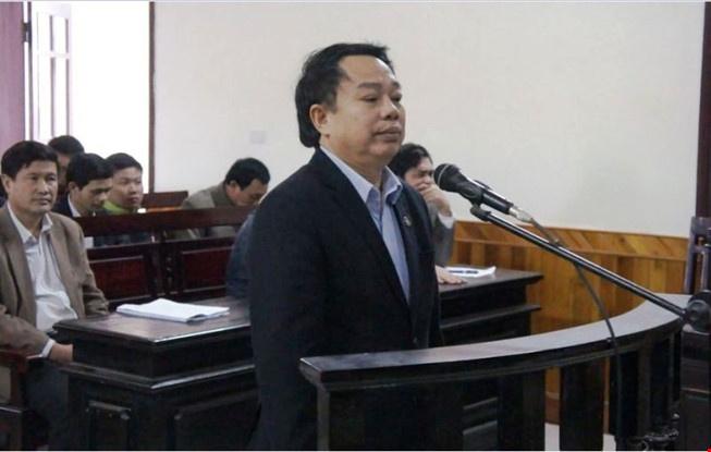 Nguyen chu tich huyen Ky Anh linh 12 nam tu hinh anh 2