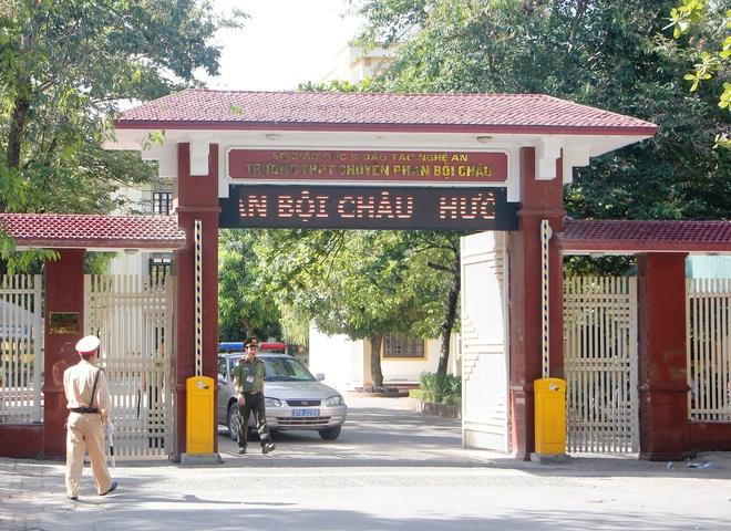Cong bo diem chuan vao lop 10 truong THPT chuyen Phan Boi Chau hinh anh