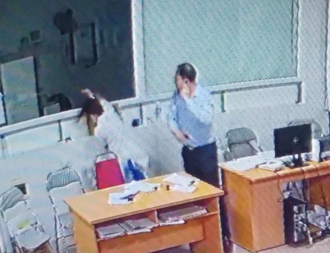Khong khoi to vu giam doc doanh nghiep hanh hung bac si hinh anh 1