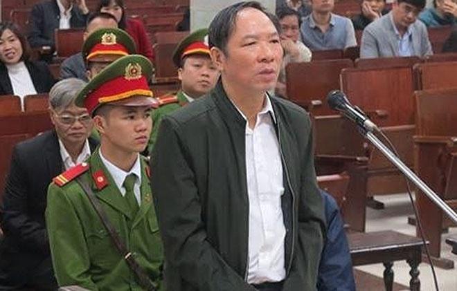 Nguyen Pho giam doc So NN&PTNT TP Ha Noi cho ra toa lan 2 hinh anh