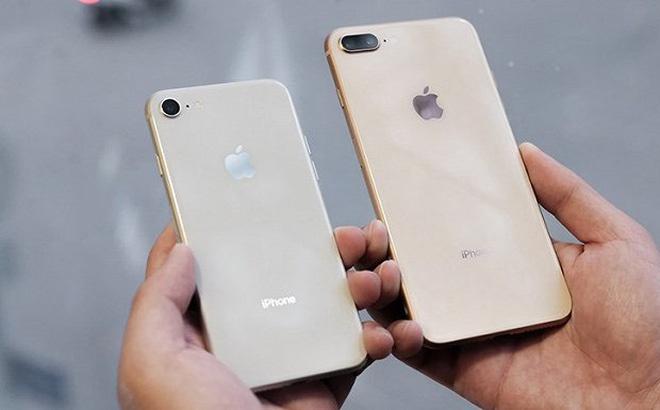 Hang loat iPhone o Sai Gon bi trao bang gach da hinh anh