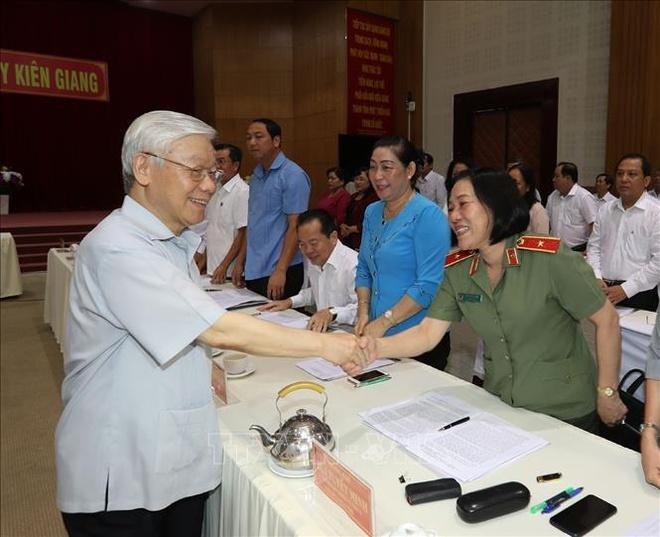 Tong bi thu, Chu tich nuoc Nguyen Phu Trong lam viec o tinh Kien Giang hinh anh 3