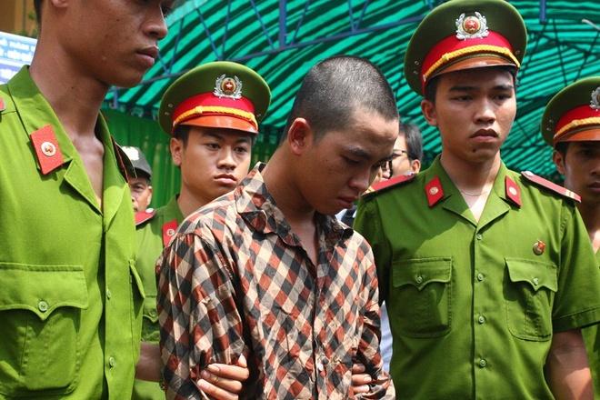Bi cao lien quan vu gay roi o Binh Duong bi phat 12 thang tu hinh anh