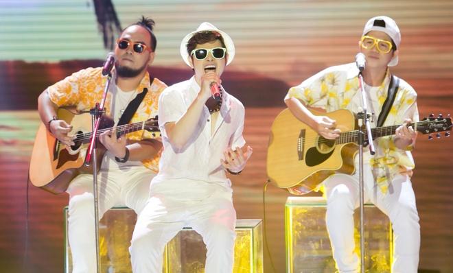Hot boy X Factor khien Ho Quynh Huong phai nhun nhay hinh anh